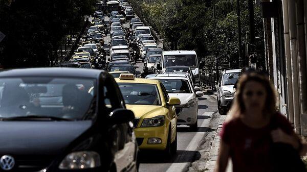 Μποτιλιάρισμα σε κεντρικό δρόμο της Αθήνας - Sputnik Ελλάδα