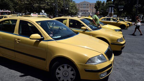 Ταξί στο Σύνταγμα - Sputnik Ελλάδα