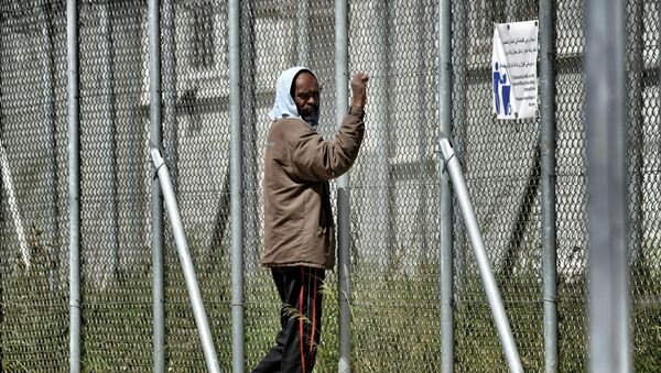 Μετανάστης στο στρατόπεδο της Μόριας στη Μυτιλήνη - Sputnik Ελλάδα