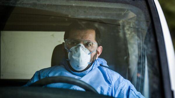 Οδηγός ασθενοφόρου στο Νοσοκομείο Σωτηρία - Sputnik Ελλάδα