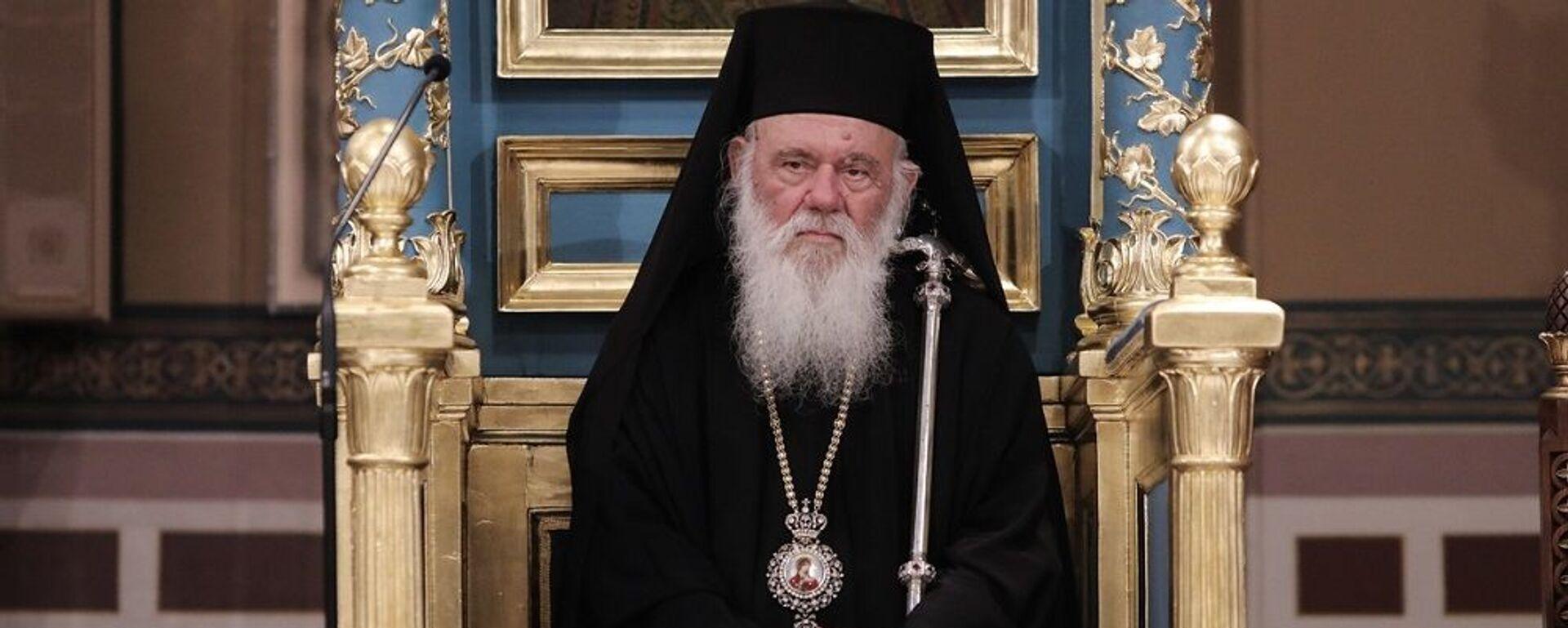 Ο Αρχιεπίσκοπος Ιερώνυμος κατά την Ιερά Ακολουθία στην Μητρόπολη σε ένδειξη διαμαρτυρίας για τη μετατροπή της Αγίας Σοφίας σε τζαμί - Sputnik Ελλάδα, 1920, 04.08.2021