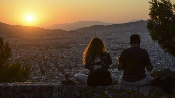 Νέοι στον Λυκαβηττό - Sputnik Ελλάδα