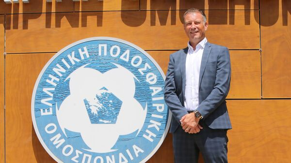 Ο Μαρκ Κλάτενμπεργκ στα γραφεία της ΕΠΟ - Sputnik Ελλάδα