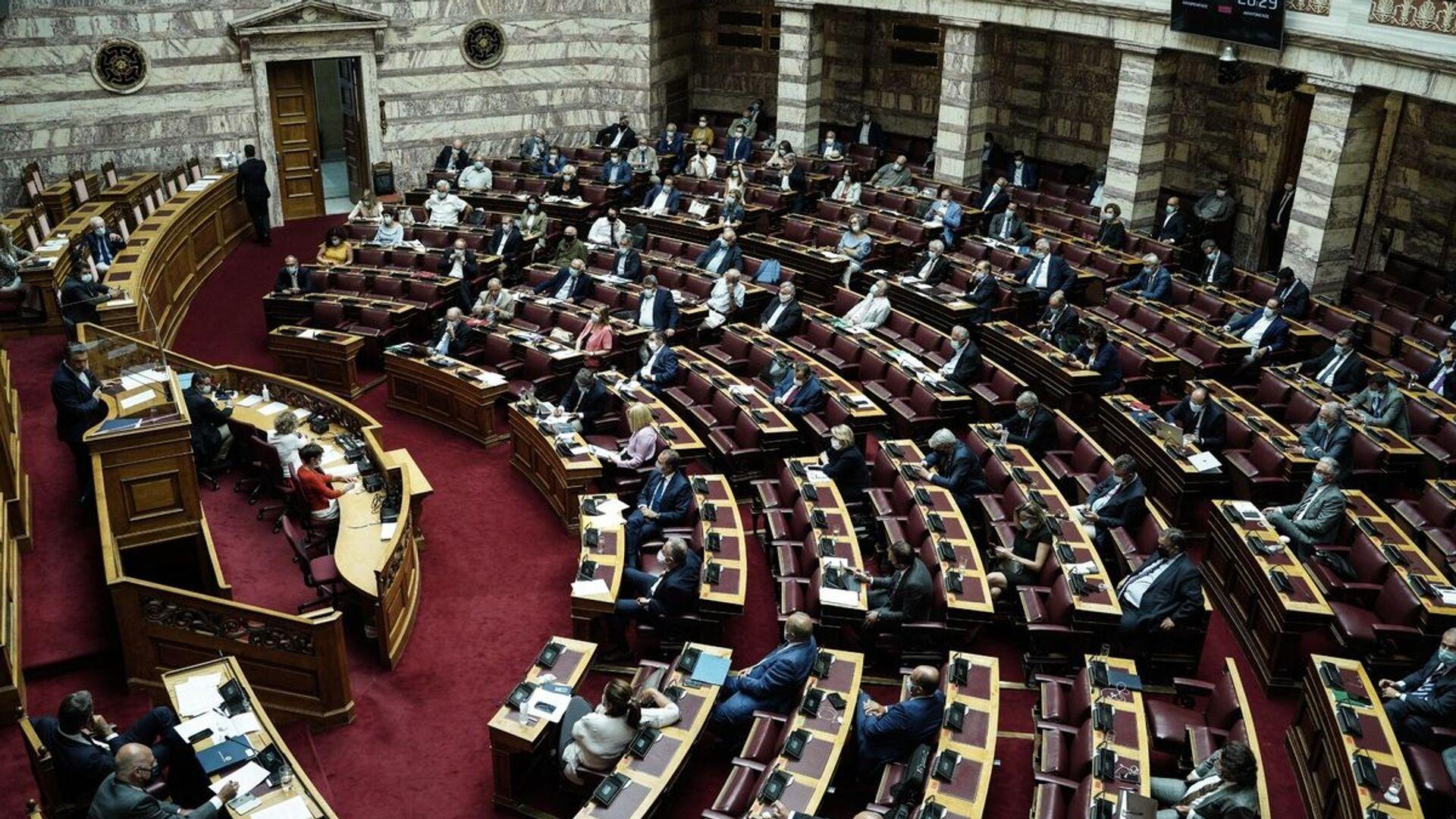 Η Ολομέλεια της Βουλής κατά τη διάρκεια της συζήτησης για τις συμφωνίες με Αίγυπτο - Ιταλία για την ΑΟΖ - Sputnik Ελλάδα, 1920, 30.09.2021