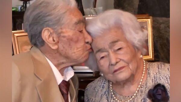 Το γηραιότερο παντρεμένο ζευγάρι στον κόσμο: Μετρούν 79 χρόνια γάμου - Sputnik Ελλάδα