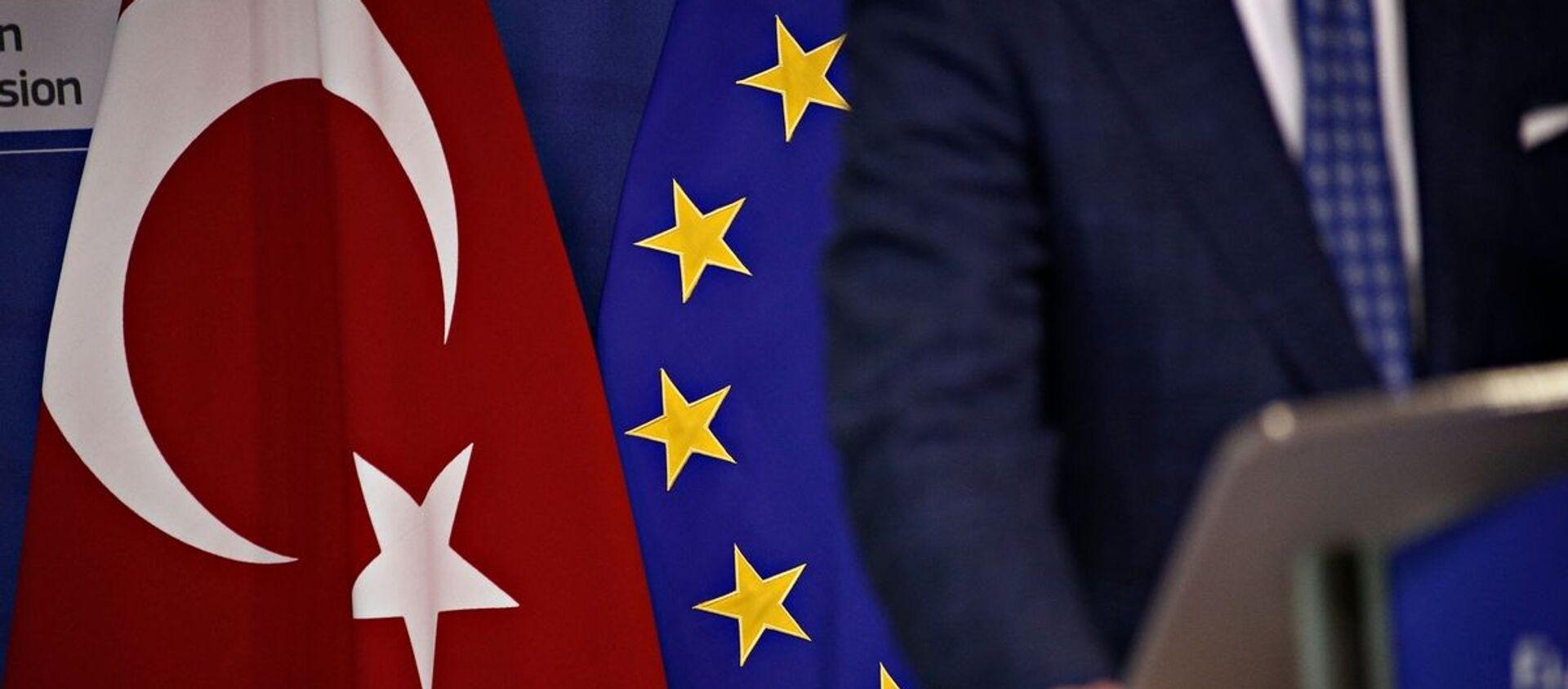 Σημαίες Τουρκίας και ΕΕ - Sputnik Ελλάδα, 1920, 21.03.2021