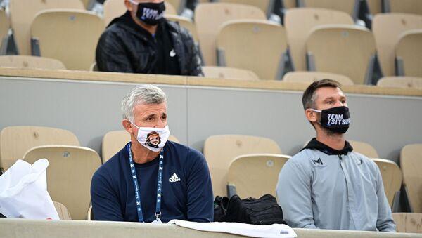 Ο Απόστολος Τσιτσιπάς με μάσκα - Sputnik Ελλάδα