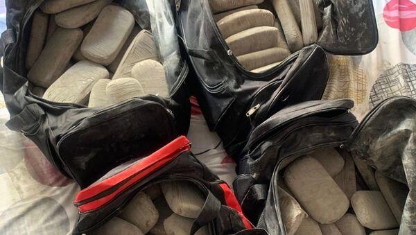 102 κιλά ηρωίνης εντοπίστηκαν σε διαμέρισμα στην Αθήνα - Sputnik Ελλάδα