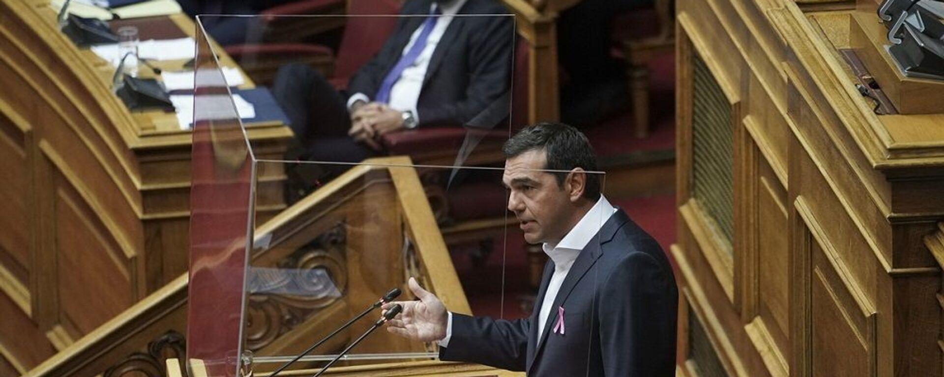 Ο Κυριάκος Μητσοτάκης και ο Αλέξης Τσίπρας στη Βουλή - Sputnik Ελλάδα, 1920, 25.08.2021