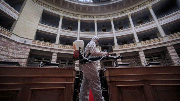 Απολύμανση στη Βουλή των Ελλήνων - Sputnik Ελλάδα