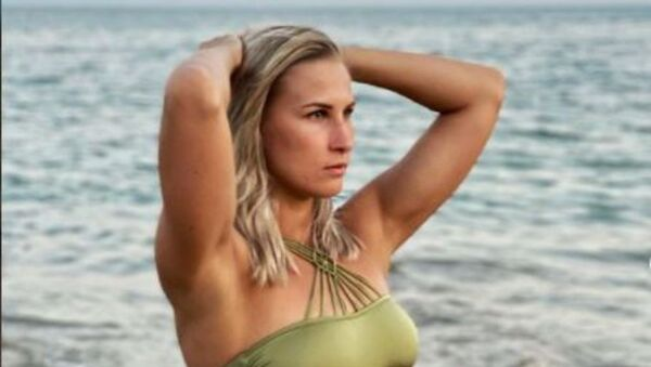 Η Ρωσίδα κολυμβήτρια Άλα Σίσκινα - Sputnik Ελλάδα