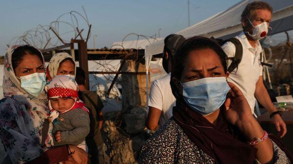 Μετανάστες στη Λέσβο - Sputnik Ελλάδα