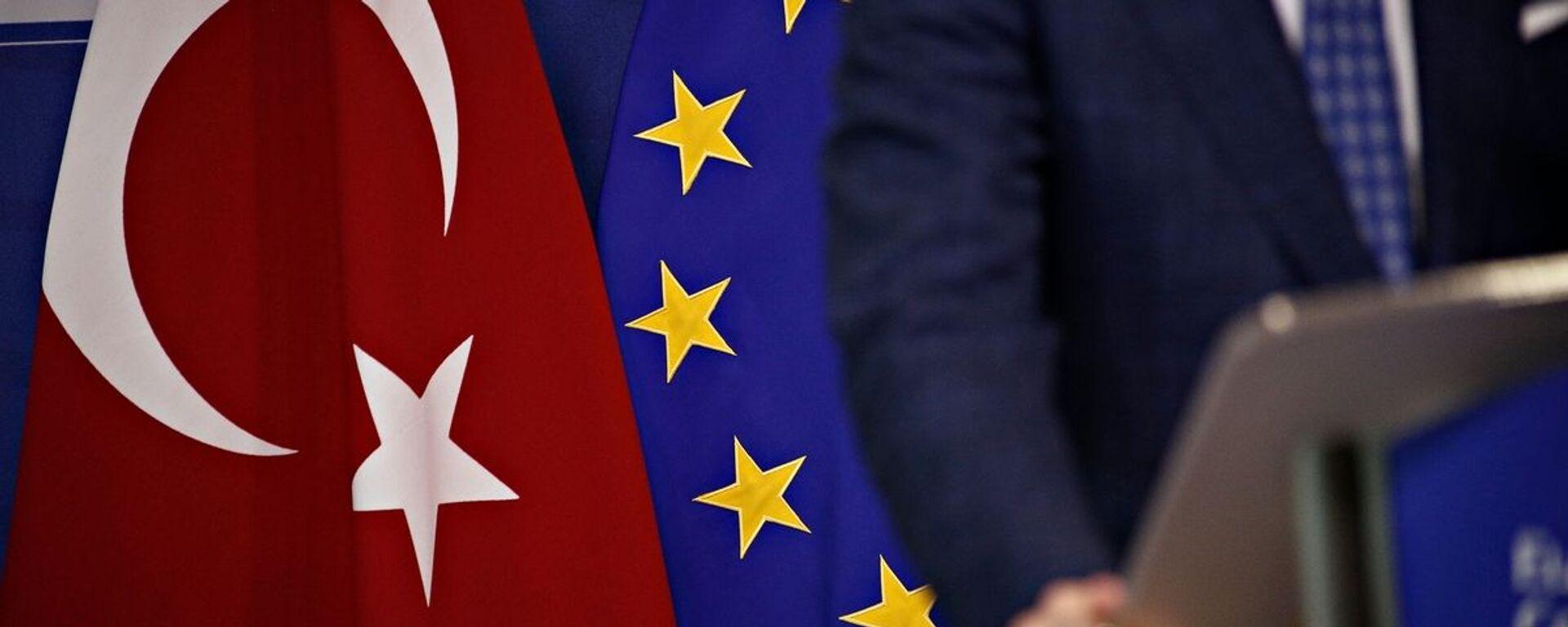Σημαίες Τουρκίας και Ευρωπαϊκής Ένωσης - Sputnik Ελλάδα, 1920, 18.03.2021