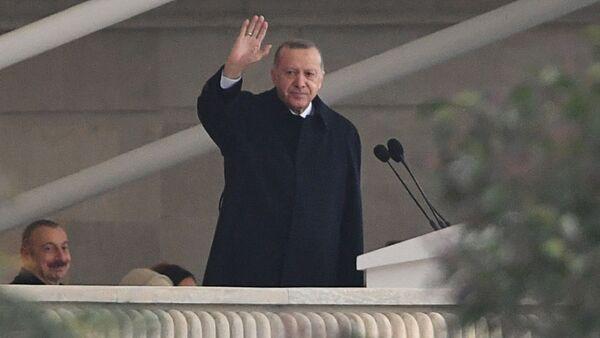 Ο Τούρκος Πρόεδρος Ρετζέπ Ταγίπ Ερντογάν στο Μπακού  - Sputnik Ελλάδα