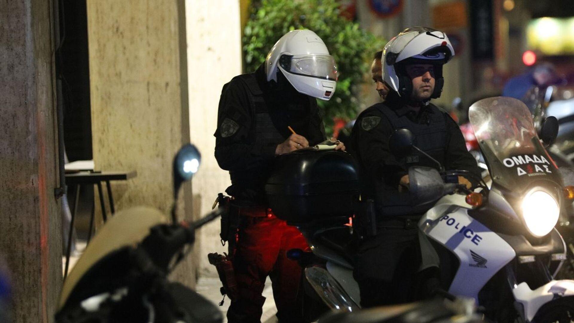 Αστυνομικοί έλεγχοι για τη νυχτερινή απαγόρευση κυκλοφορίας - Sputnik Ελλάδα, 1920, 03.10.2021