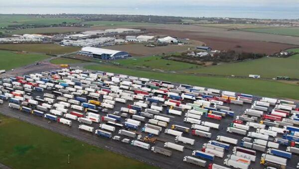 Χιλιάδες φορτηγά στο αεροδρόμιο Manston - Sputnik Ελλάδα