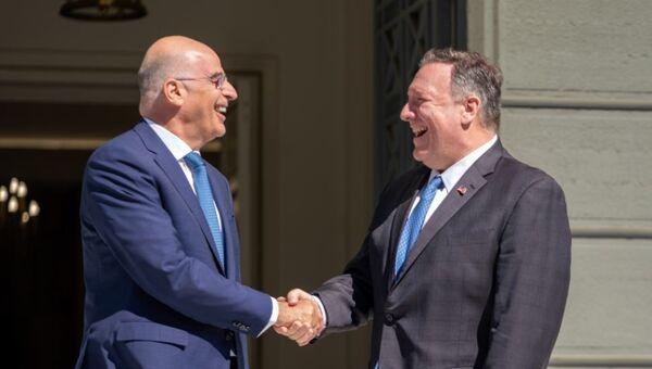 Υπουργοί Εξωτερικών Ελλάδας και ΗΠΑ, Νίκος Δένδιας και Μάικ Πομπέο - Sputnik Ελλάδα