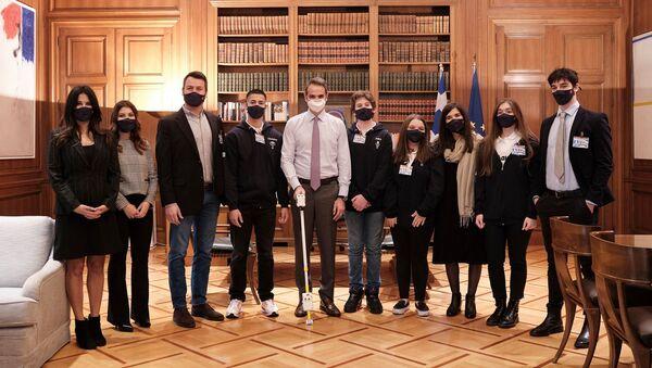 Τους χρυσούς Ολυμπιονίκες της Ρομποτικής συνάντησε ο πρωθυπουργός - Sputnik Ελλάδα