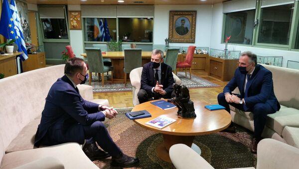 Συνάντηση με τον δήμαρχο Θεσσαλονίκης,Κωνσταντίνο Ζέρβα, είχε ο αναπληρωτής υπουργός Εσωτερικών, Στέλιος Πέτσας - Sputnik Ελλάδα
