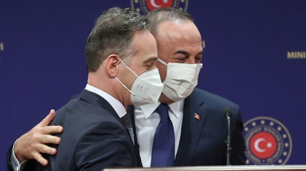 O υπουργός Εξωτερικών της Γερμανίας, Χάικο Μάας, με τον Τούρκο ομόλογό του, Μεβλούτ Τσαβούσογλου - Sputnik Ελλάδα