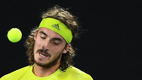 O Στέφανος Τσιτσιπάς στον αγώνα με τον Ράφα Ναδάλ στο Australian Open - Sputnik Ελλάδα