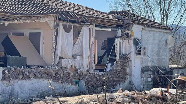 Σεισμός στην Ελασσόνα - Κατάρρευση σπιτιού - Sputnik Ελλάδα