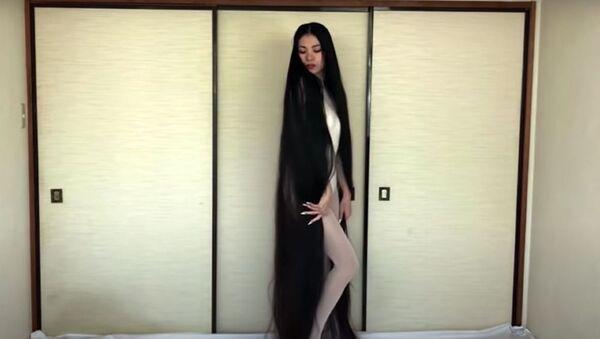 Η Ριν Κάμπε από την Ιαπωνία έχει να κόψει τα μαλλιά της εδώ και 15 χρόνια - Sputnik Ελλάδα