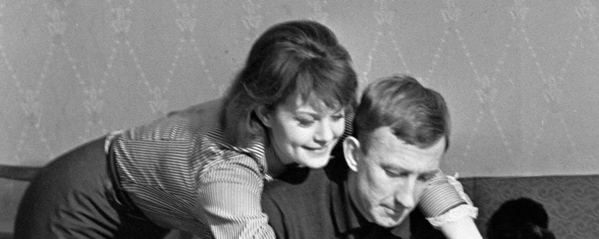 Ο Ιγκόρ Νέτο και η σύζυγος του - Sputnik Ελλάδα, 1920, 31.03.2021