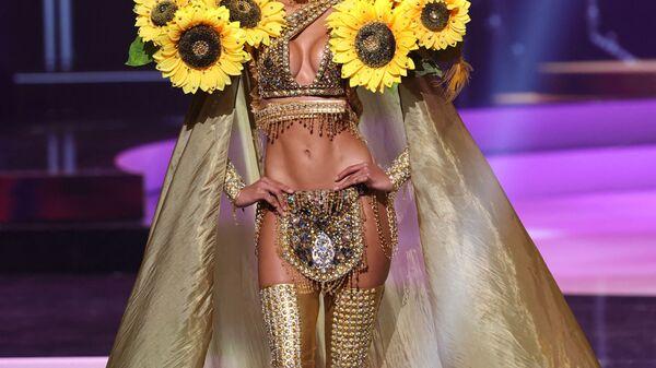 Мисс Доминиканская Республика Кимберли Хименес во время показа национального костюма конкурса Мисс Вселенная 2021 - Sputnik Ελλάδα