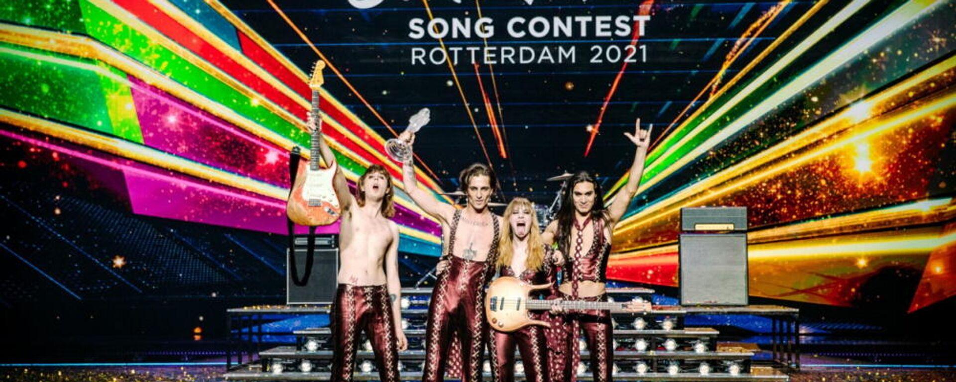 Το συγκρότημα Måneskin από την Ιταλία με το βραβείο της Eurovision 2021, 22 Μαΐου 2021 - Sputnik Ελλάδα, 1920, 08.10.2021