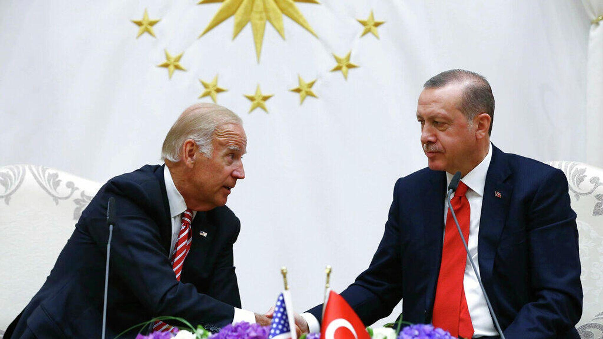 Ο Ρετζέπ Ταγίπ Ερντογάν και ο Τζο Μπάιντεν - Sputnik Ελλάδα, 1920, 28.09.2021
