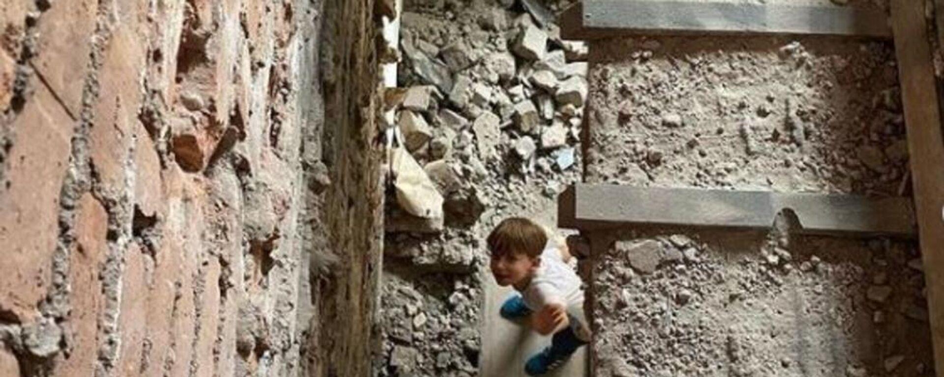 Μαμά μεταμόρφωσε μόνη της το σπίτι από ερείπιο σε παλάτι - Sputnik Ελλάδα, 1920, 08.09.2021