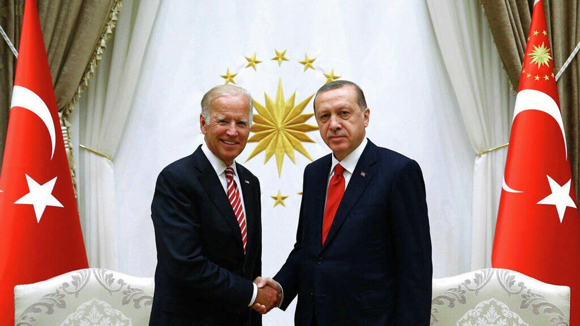 Ο Ρετζέπ Ταγίπ Ερντογάν και ο Τζο Μπάιντεν - Sputnik Ελλάδα, 1920, 26.09.2021