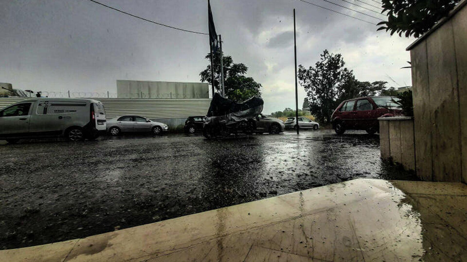 Βροχή στο κέντρο της Αθήνας - Sputnik Ελλάδα, 1920, 13.10.2021