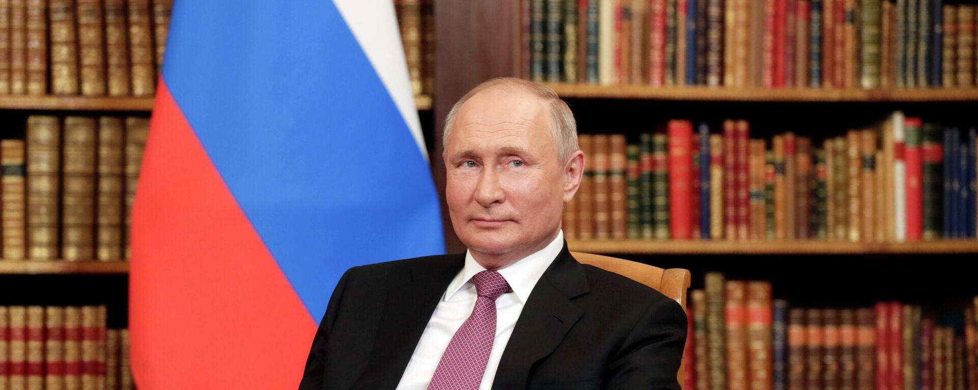 Ο Βλαντίμιρ Πούτιν στη συνάντηση με τον Τζο Μπάιντεν στη Γενεύη - Sputnik Ελλάδα, 1920, 02.07.2021