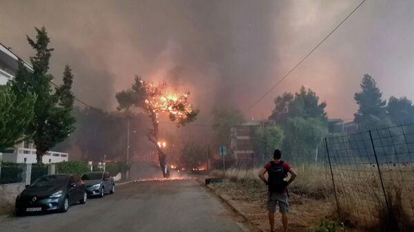 Φωτιά στη Βαρυμπόμπη - Sputnik Ελλάδα