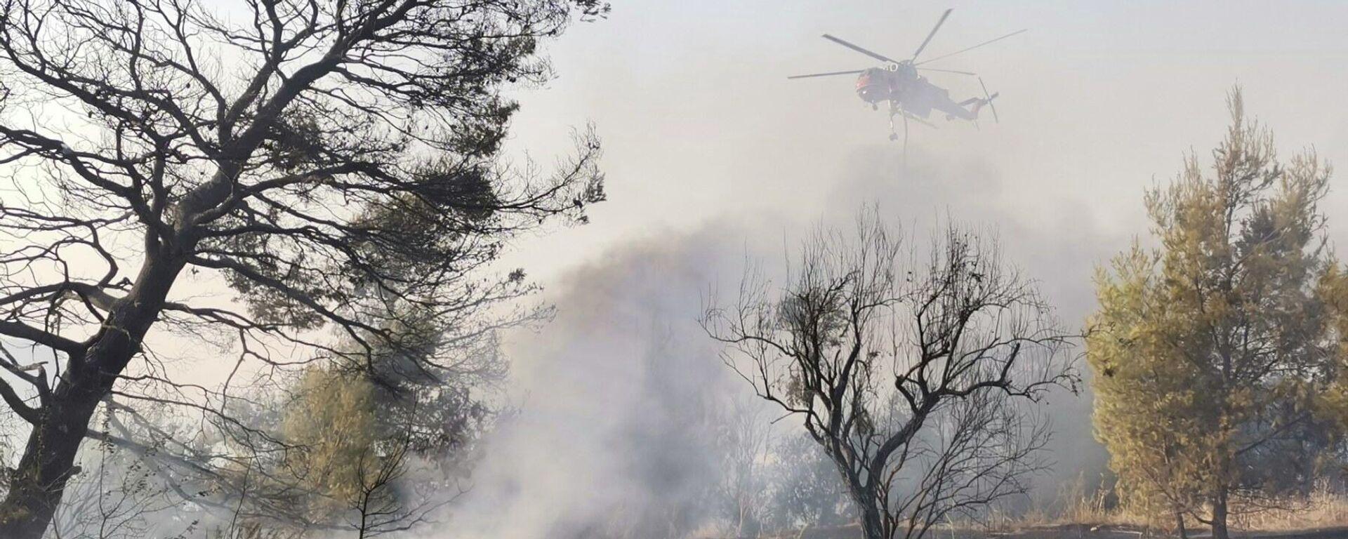 Συνεχίζεται η επιχείρηση κατάσβεσης στη φωτιά στη Βαρυμπόμπη - Sputnik Ελλάδα, 1920, 04.08.2021