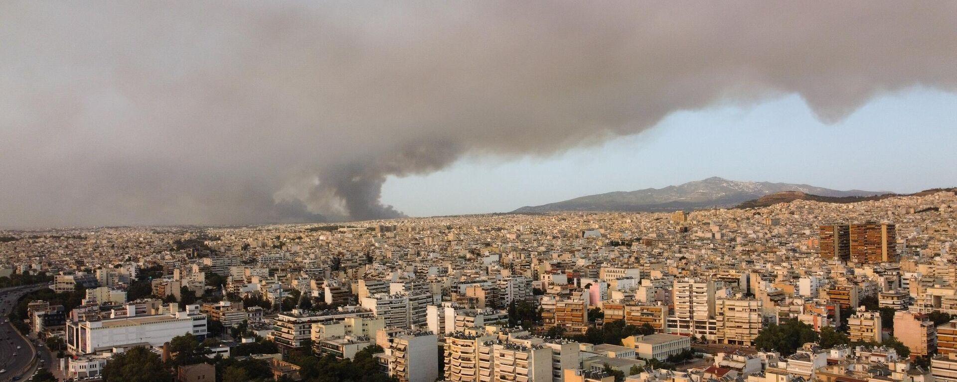 Καπνοί από την πυρκαγιά στην Βαρυμπόμπη - Sputnik Ελλάδα, 1920, 06.08.2021