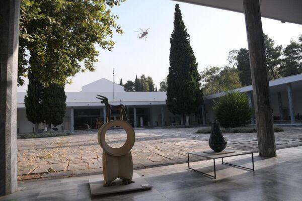 Δύσκολο το έργο των πυροσβεστικών δυνάμεων στην Αρχαία Ολυμπία - Sputnik Ελλάδα