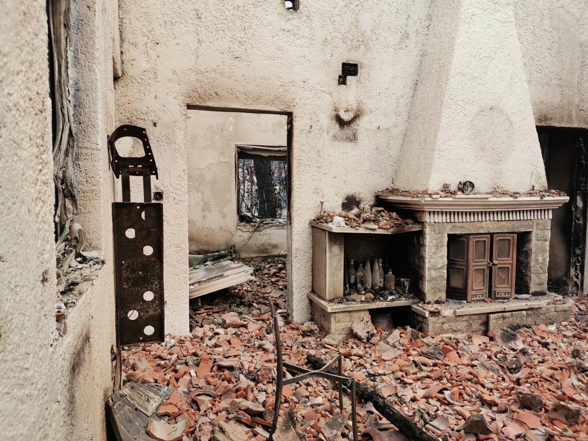 Δραματικές εικόνες από τη φωτιά στη Δροσοπηγή - Sputnik Ελλάδα, 1920, 06.08.2021