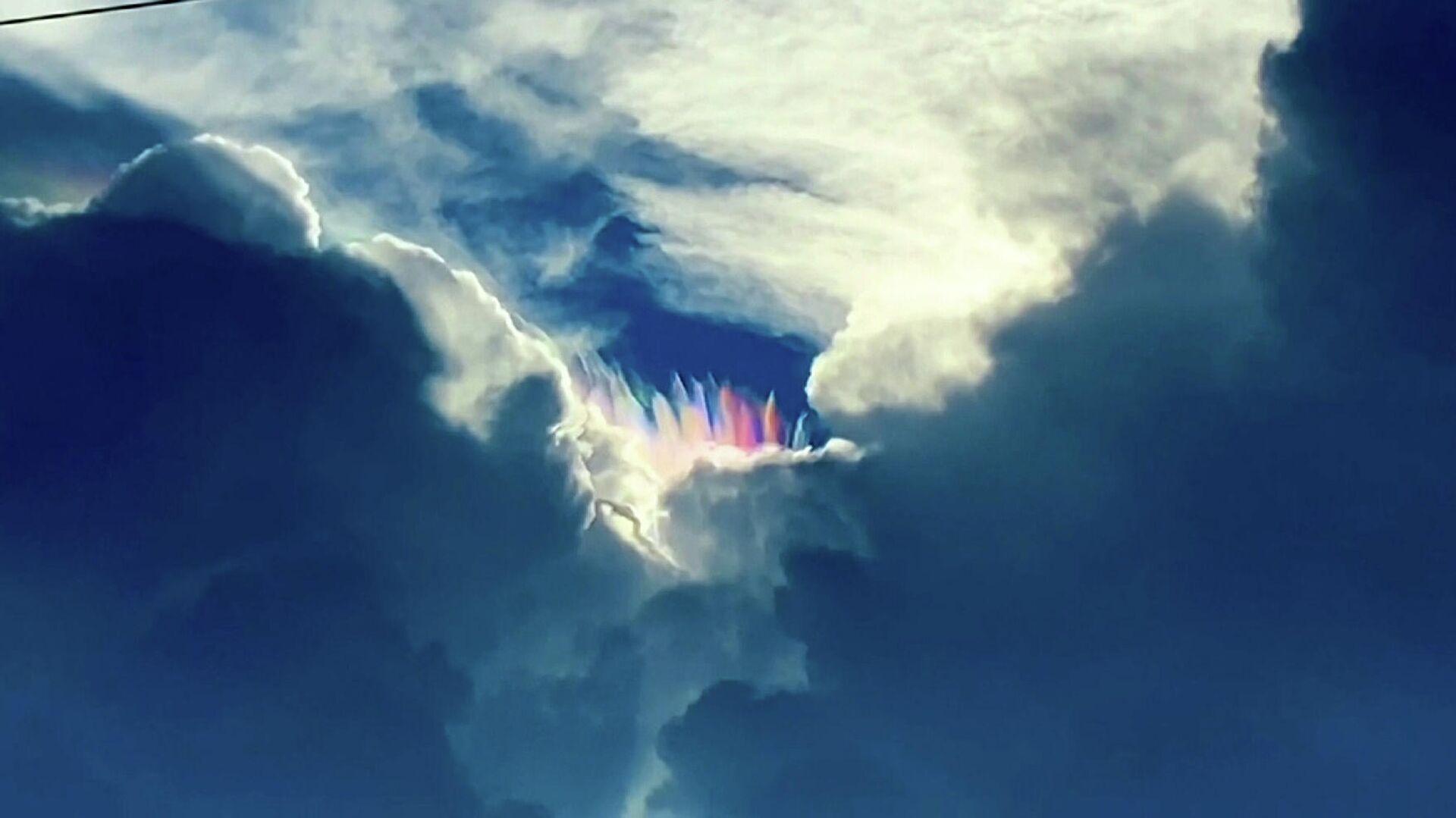 Σπάνιο και εντυπωσιακό φαινόμενο ζωγραφίζει τον ουρανό στο Ακρωτήρι Κανάβεραλ - Sputnik Ελλάδα, 1920, 18.08.2021