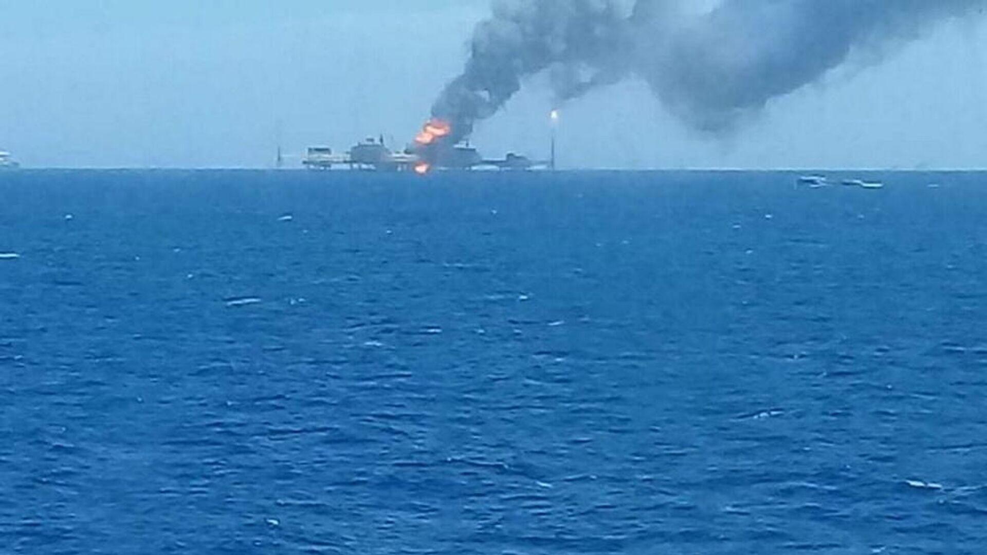 Έκρηξη σε θαλάσσια πλατφόρμα άντλησης πετρελαίου στο Μεξικό, 22 Αυγούστου 2021 - Sputnik Ελλάδα, 1920, 24.08.2021