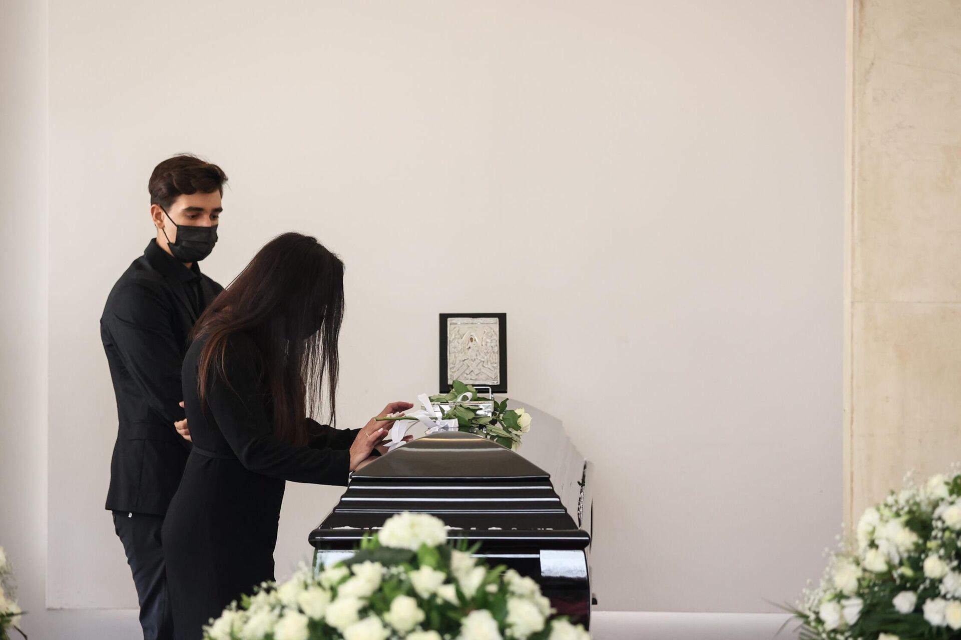 Κηδεία του Άκη Τσοχατζόπουλου, στο 1ο Νεκροταφείο Αθηνών - Sputnik Ελλάδα, 1920, 31.08.2021