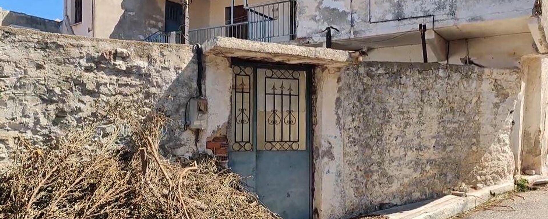 Θρίλερ στην Κυπαρισσία: Βρήκαν πτώμα γυναίκας θαμμένο σε σπίτι - Sputnik Ελλάδα, 1920, 06.09.2021