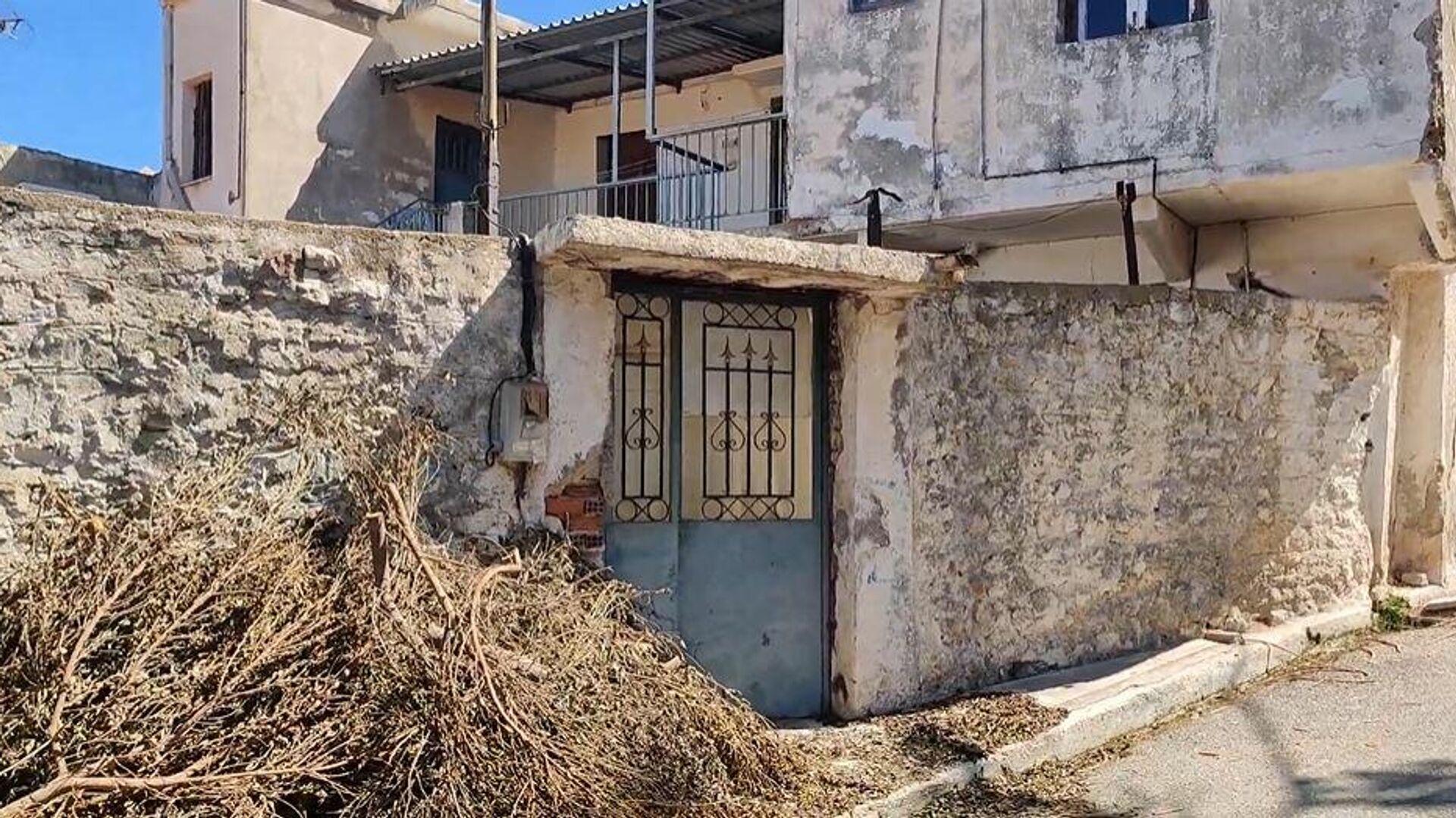 Θρίλερ στην Κυπαρισσία: Βρήκαν πτώμα γυναίκας θαμμένο σε σπίτι - Sputnik Ελλάδα, 1920, 30.09.2021
