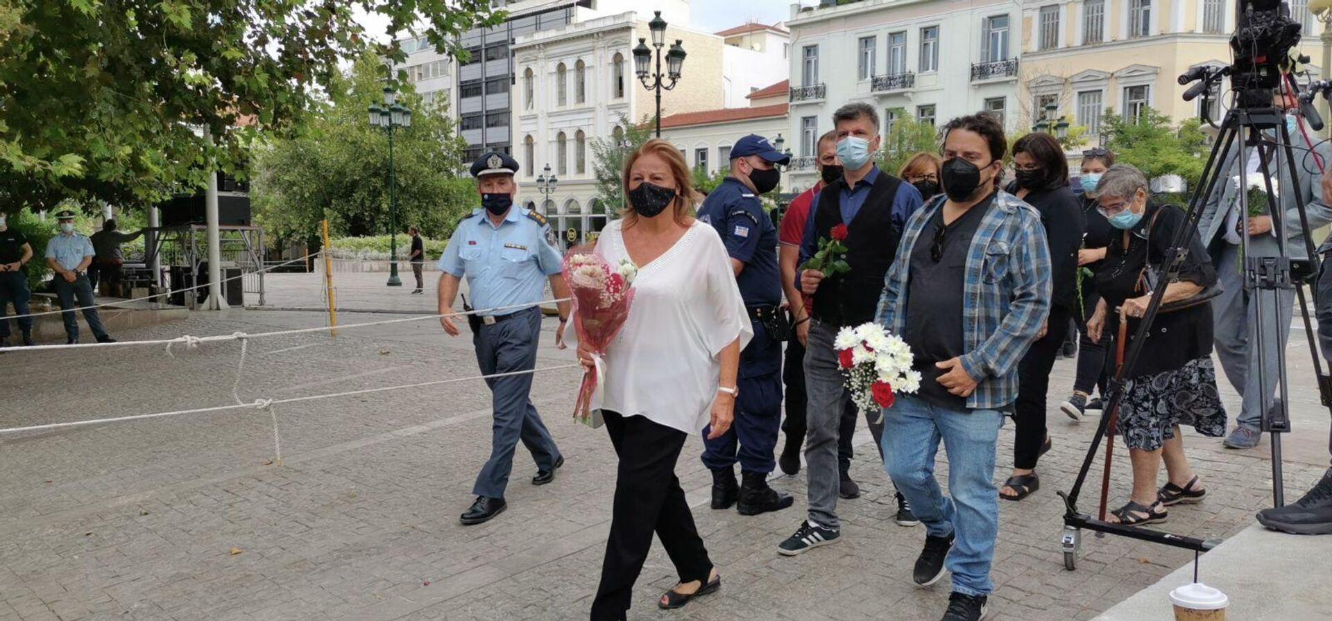 Για τρίτη ημέρα σε λαϊκό προσκύνημα η σορός του Μίκη Θεοδωράκη - Sputnik Ελλάδα, 1920, 08.09.2021
