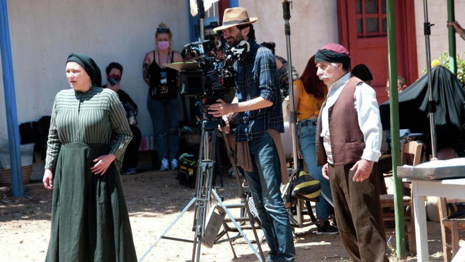 Η Ρένια Λουϊζίδου στα γυρίσματα της σειράς Βαρδιάνος στα σπόρκα (ΕΡΤ) - Sputnik Ελλάδα, 1920, 03.10.2021