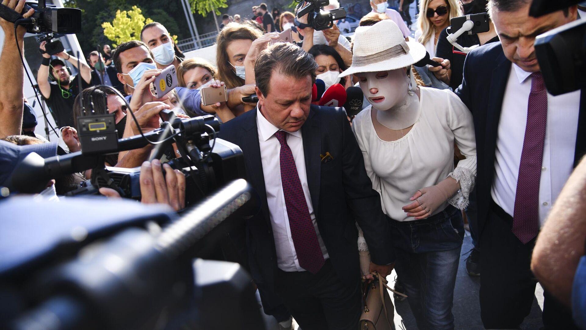 Με το κεφάλι ψηλά στο δικαστήριο η Ιωάννα Παλιοσπύρου για τη δίκη της επίθεσης με βιτριόλι - Sputnik Ελλάδα, 1920, 16.09.2021