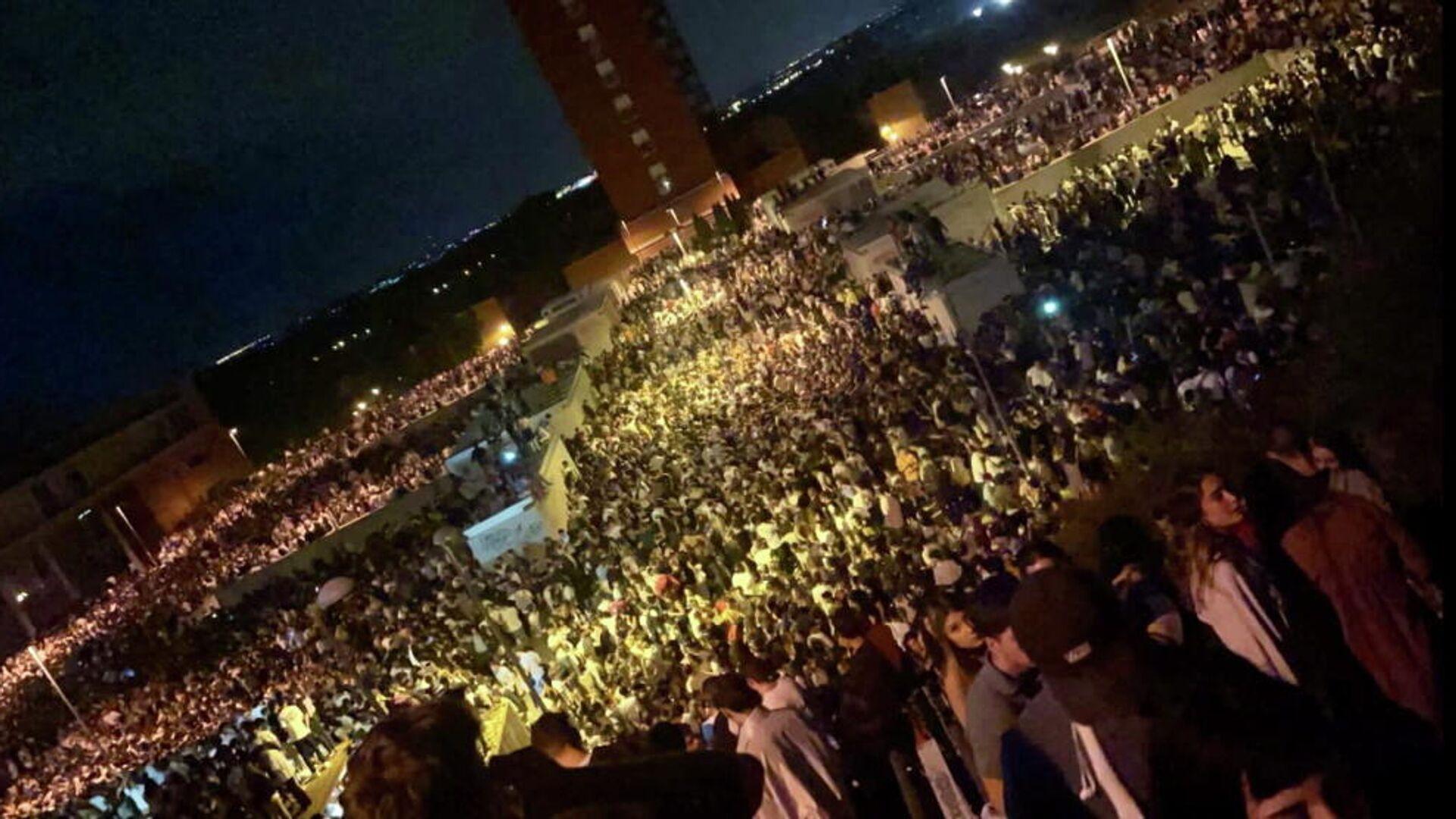 Πάρτι στην Πανεπιστημιούπολη της Μαδρίτης με τουλάχιστον 25.000 ανθρώπους, 18 Σεπτεμβρίου 2021 - Sputnik Ελλάδα, 1920, 19.09.2021
