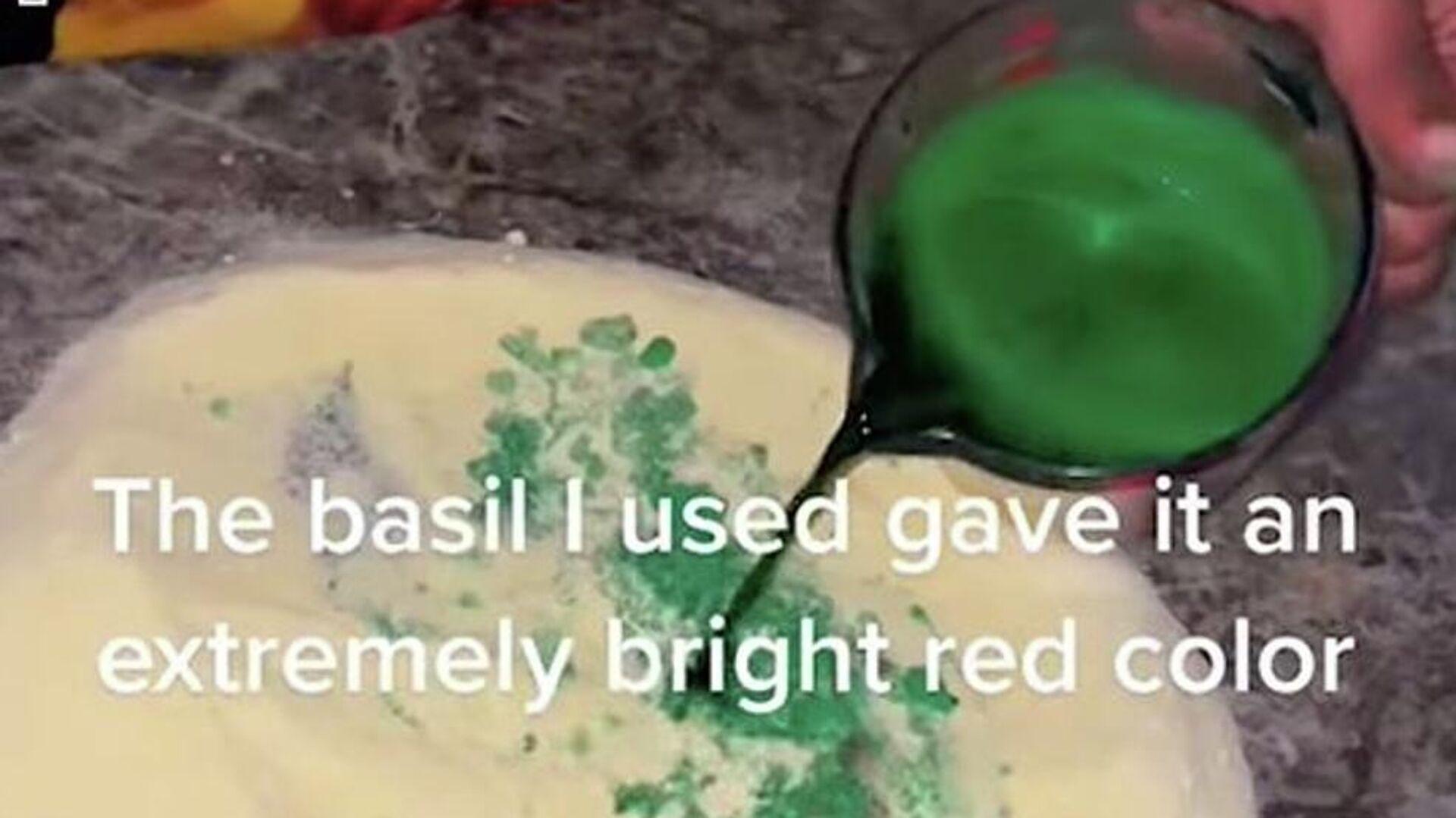 Σε φτιάχνει πολύχρωμα ζυμαρικά για την αγαπημένη του που πάσχει από αχρωματοψία - Sputnik Ελλάδα, 1920, 19.09.2021
